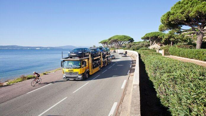 Fahrzeugrücktransport aus Frankreich, Côte d'Azur. Weiterer Text über ots und www.presseportal.de/nr/122834 / Die Verwendung dieses Bildes ist für redaktionelle Zwecke honorarfrei. Veröffentlichung bitte unter Quellenangabe: